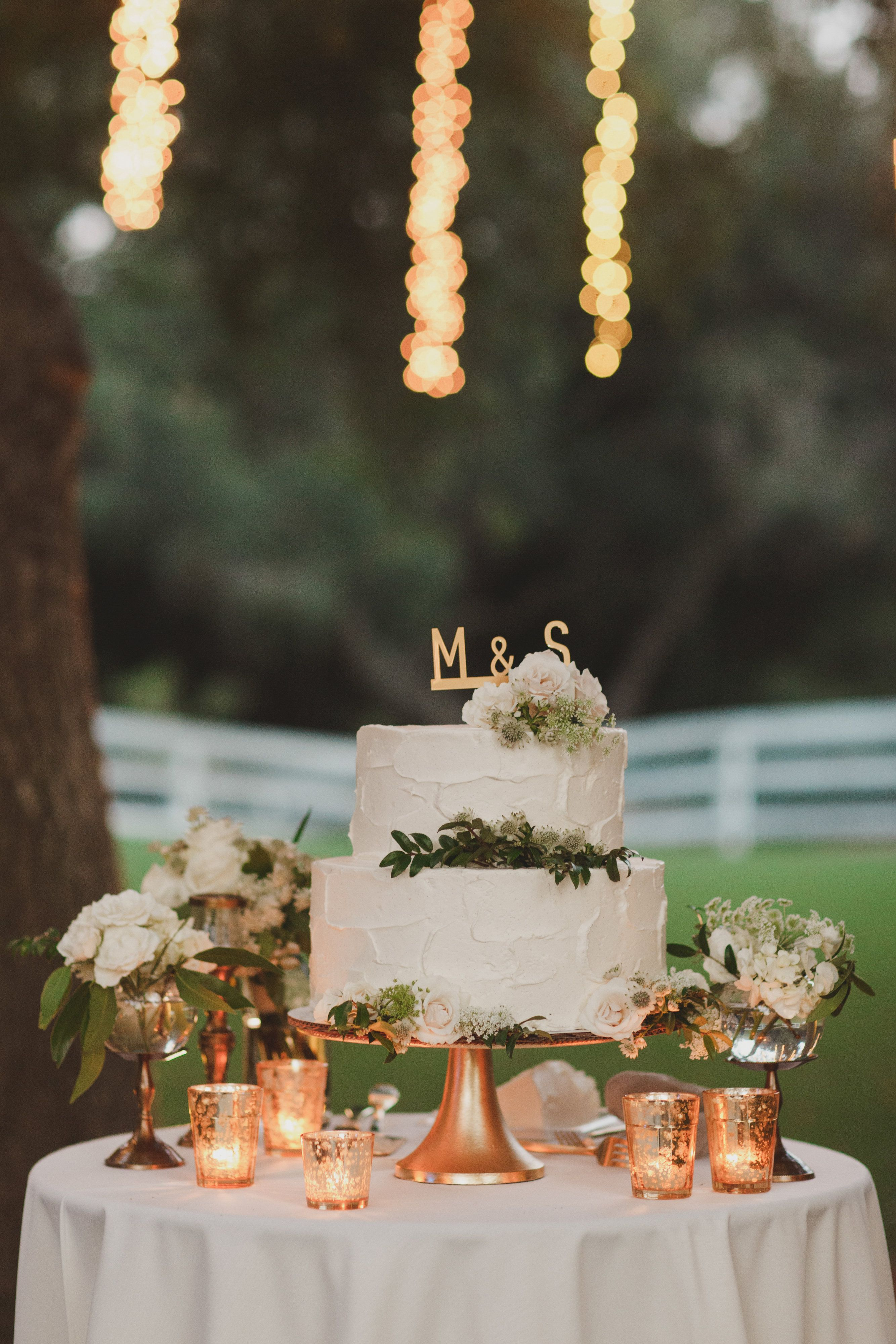 Simply Tasteful Wedding | Decoration table mariage, Idée ...